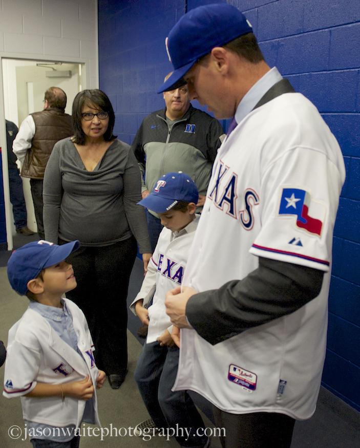 Texas-Rangers-2014-Season-michael-young