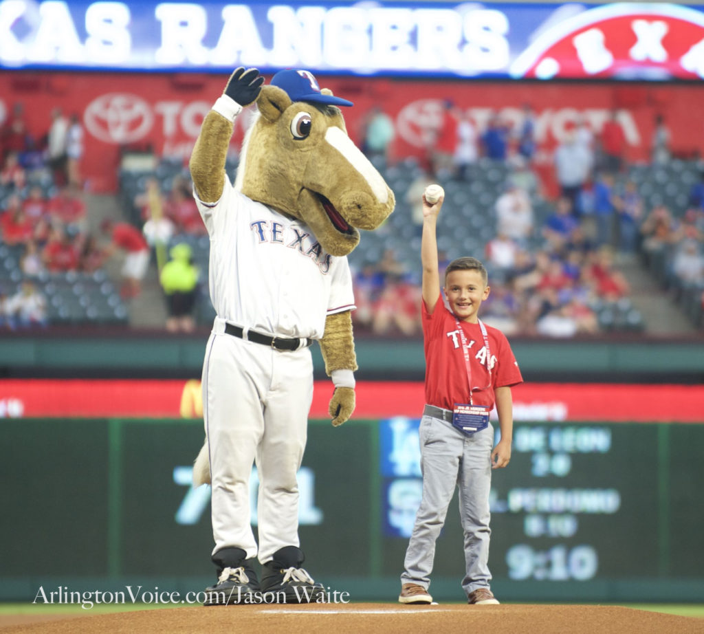 texas-rangers-captain-fan