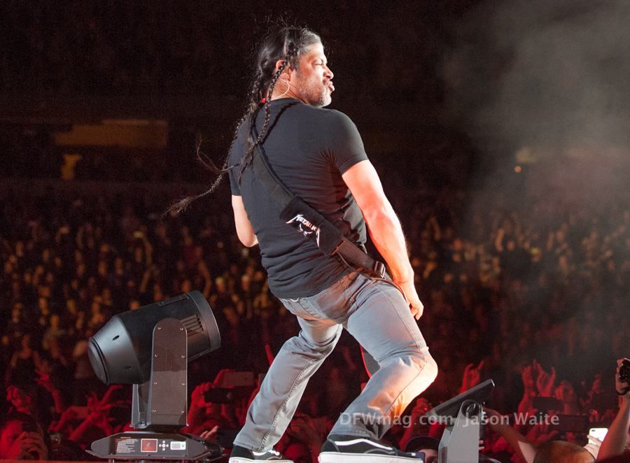 Metallica-Worldwired-Tour-2017-Dallas-Concert-robert-trujillo